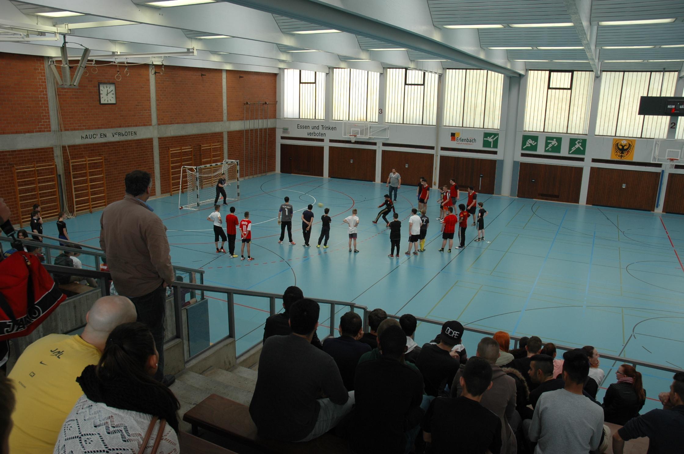 Großes Fußballturnier an der Barbarossa-Mittelschule